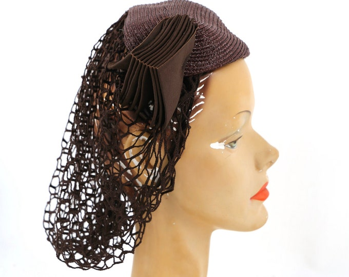 1940s snood hat / vintage 40s brown straw and net rare snood cocktail hat Valerie label