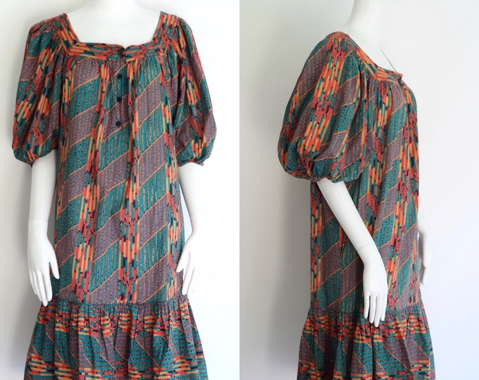 70s MOLLIE PARNIS print peasant dress / vintage 1970s boho cotton peasant dress sz M-L
