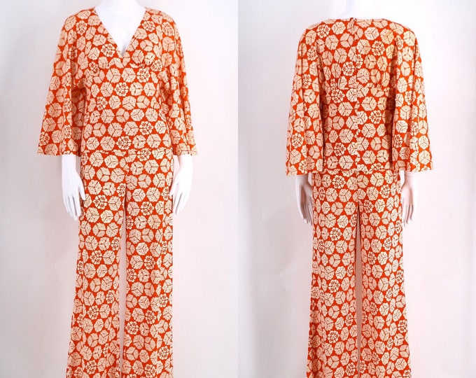 70s CORKY CRAIG print bell bottoms outfit / 1970s vintage 2 pc set red & white butterfly sleeve top blouse pants S-M