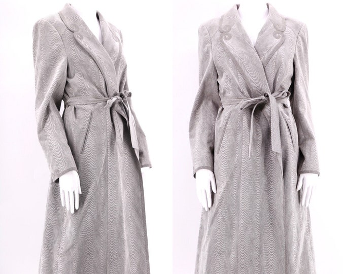 70s dove gray ultra suede trench coat / vintage 1970s pattern print belted jacket coat sz M-L