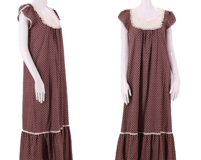 70s LIBERTY HOUSE print prairie maxi dress  / vintage 1970s calico print cottage core maxi peasant dress S-M