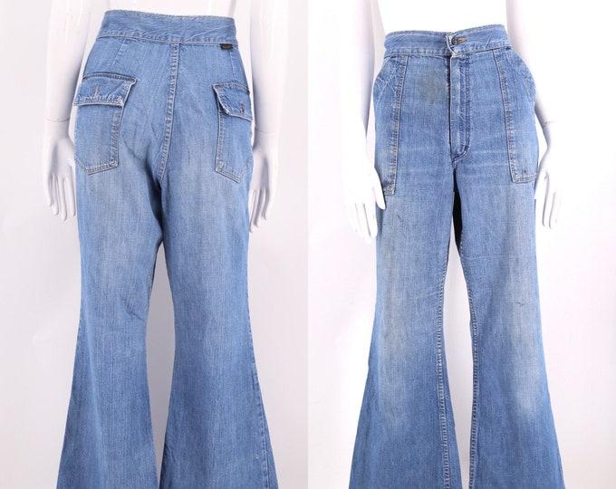 70s Wrangler denim bell bottoms jeans 29 / vintage 1970s worn in flap pocket flares pants 8-10 M