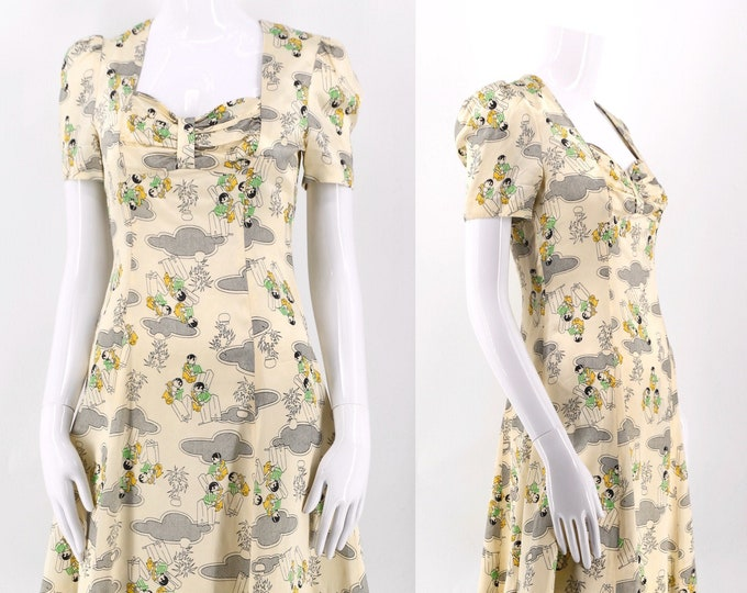 early 70s satin 20s Deco novelty print mini dress / vintage 1970s glam rock flirty summer dress sz S / 4