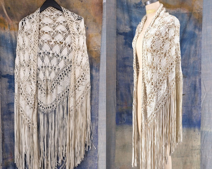 20s romantic knotted silk ribbon Deco fringe shawl / vintage 1920s antique ivory crochet flapper large wrap cape