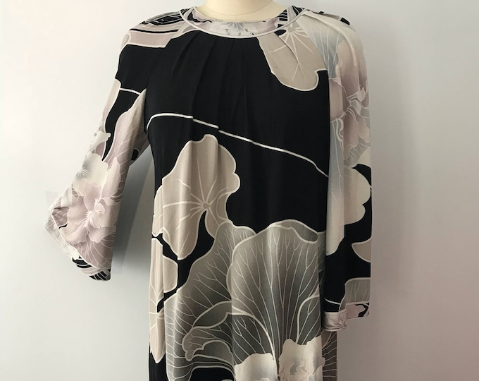 90's LEONARD Paris dusty pink gray black floral signed print silk jersey short mini DRESS vintage 1990s