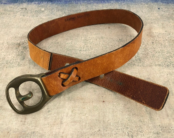 70s brown leather & brass metal buckle belt / vintage 1970s The Leather Man Ltd Woodstock era worn in hippy belt 30 ""