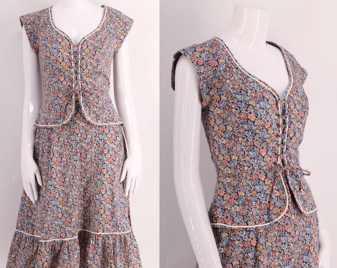 70s lace up peasant dress sz M / vintage 1970s floral print two piece cotton set outfit skirt corset top size 6