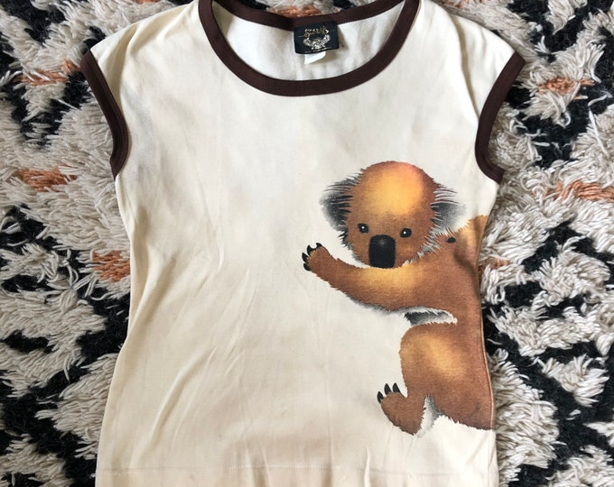 70s cute novelty KOALA hugging graphic T shirt / 1970s vintage animal lover shirt sz S