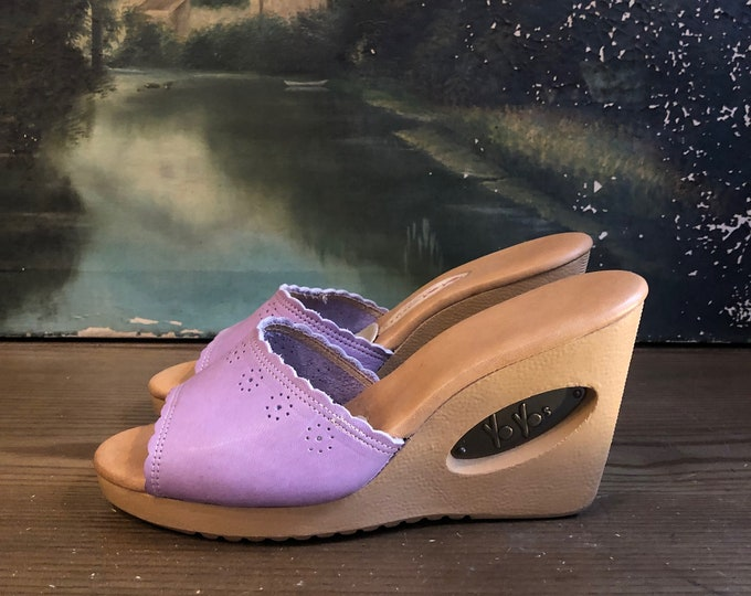 70s PLATFORM WEDGES in lavender SZ 6.5