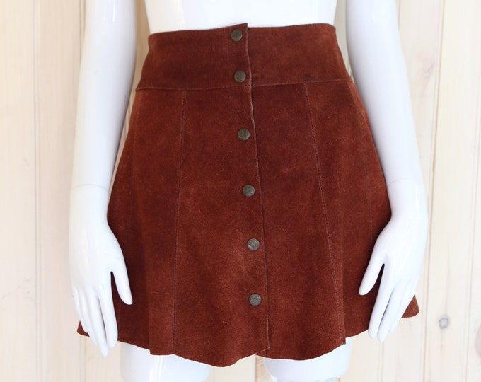 90s snap mini skirt sz 6-7 / vintage 1990s does 70s JOU JOU brown suede snap front mini skirt