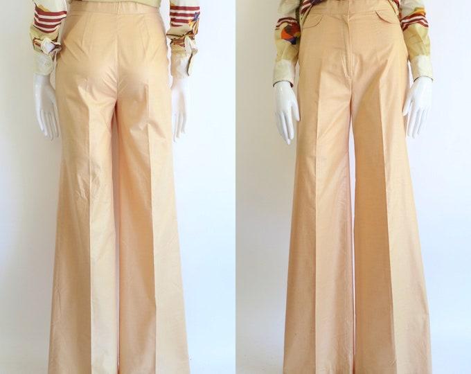 70s high waist cotton bell bottoms 26 / vintage 1970s Wayne Rogers summer weight wide leg bells trousers pants sz 6