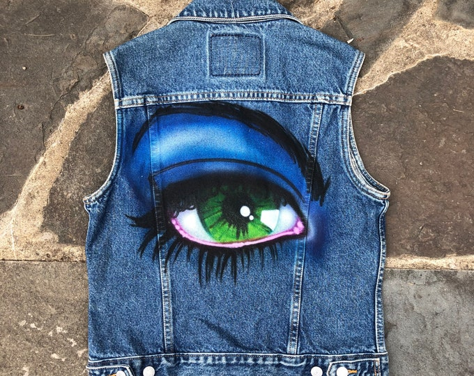 80s 90s LEVIS denim vest with custom airbrushed eye / vintage 1980s painted denim vest jacket sz M
