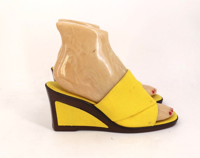 70s platform sandals sz 7 / vintage 1970s yellow wedges shoes mules size 7
