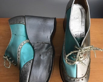 eb8c84e637f 70s METALLIC 2 tone silver blue glam rock wedges PLATFORMS shoes vintage  1970s 7