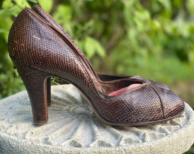 40s size 9 brown lizard pumps / vintage 1940s D'orsay pin up high heels SHOES 9 B 30s 50s