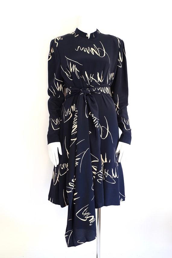 80s Pauline Trigere navy print silk dress / vinta… - image 3
