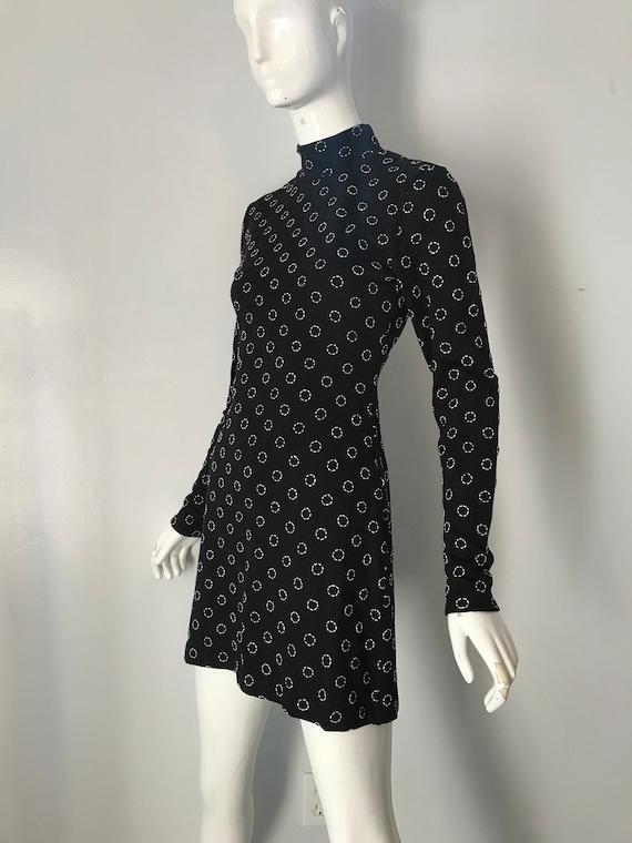 dde1b98713f68c 90 s VIVIENNE TAM black Circle Embroidered cotton Knit
