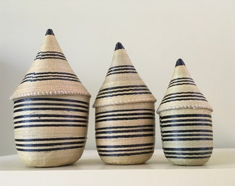 VINTAGE TUTSI AFRICAN Tightly Woven Baskets with Lids Nesting Set of 3 with Lids