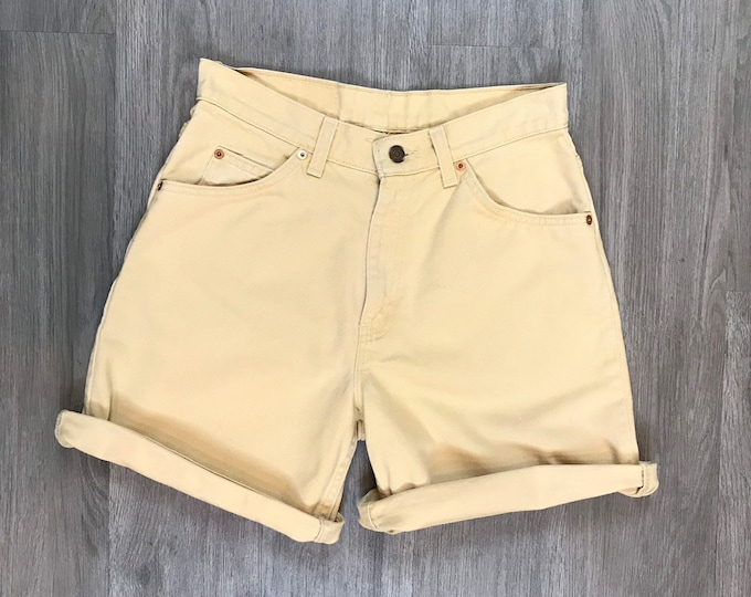90s Pale Yellow Levi Shorts