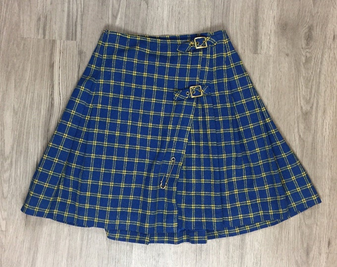 90s Plaid Skirt with Buckle Detail
