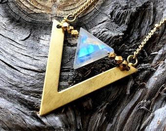 Raw moonstone necklace Geometric moonstone jewelry Rainbow moonstone crystal necklace Moon stone necklace Rose gold Moonstone pendant