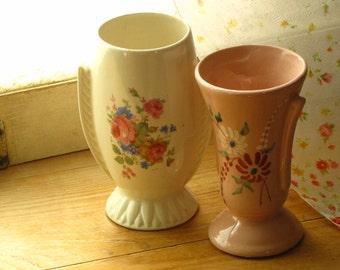 Set of 2 Vintage Cottage Chic Farmhouse Style Flower Vases