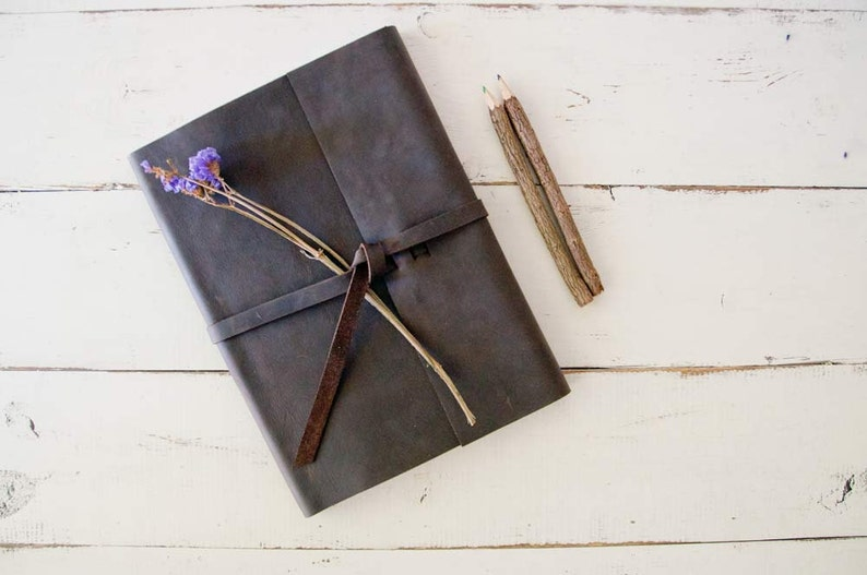 Personalized Leather Sketchbook  Rustic Leather Sketchbook image 0