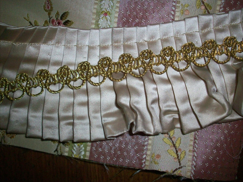 Gold lacey metal antique French trim