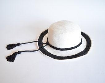 Vintage white straw TASSEL hat