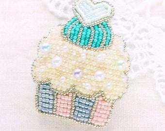 - Japan Material Kit LP-651-3 Anne/'s beaded embroidery Kit Cupcake Brooch Lemon flavor