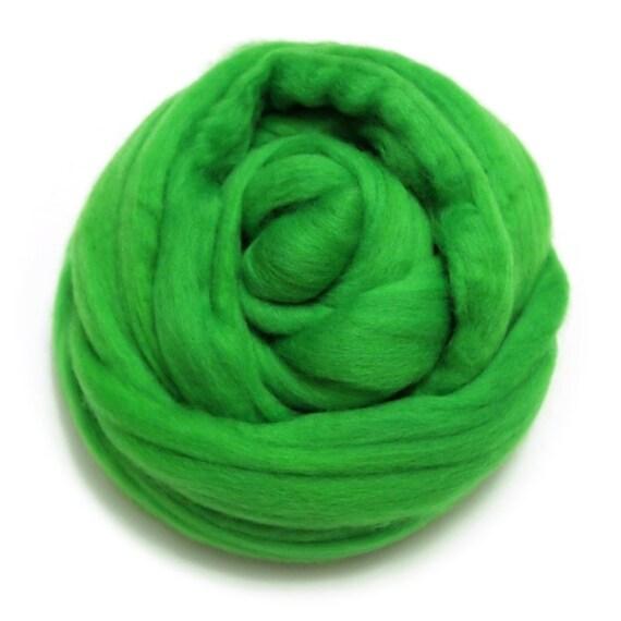 50g wet felting needle felting tops Vivid Green Merino Wool fibre roving