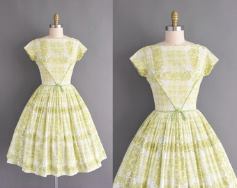 8fb02ac213 vintage 50s dress - Lord   Taylor green cotton floral print short sleeve  Spring full skirt dress - Size Small - 1950s dress