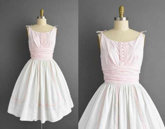 vintage 1950s | Candy Jones Pink & White Cotton Sw