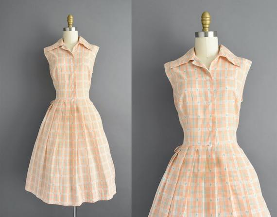 vintage 1950s | Classic Orange Plaid Print Sleevel