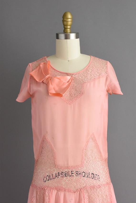 vintage 1920s | Beautiful pink silk chiffon antiq… - image 3