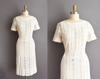 vintage 1950s white cotton linen crochet lace wiggle dress Plus size 50s white wiggle dress