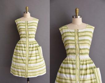 vintage 1950s white cotton green stripe full skirt sun dress Plus Size vintage 50s cotton full skirt day dress