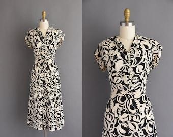 vintage 1940s black and white cotton print dress - Size Small - vintage 40s cotton black and white short sleeve dress