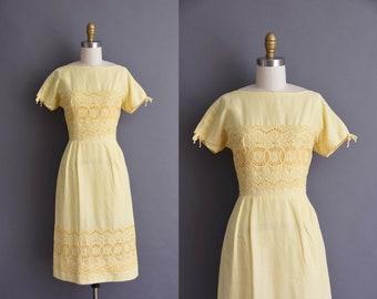 vintage 1950s yellow cotton eyelet wiggle dress Small vintage 50s cotton eyelet wiggle dress
