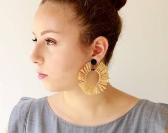 Natural Raffia Earrings , Trendy hoop lightweight earrings , statement earrings , Circle tassel Natural Jewelry hippie Sun earrings