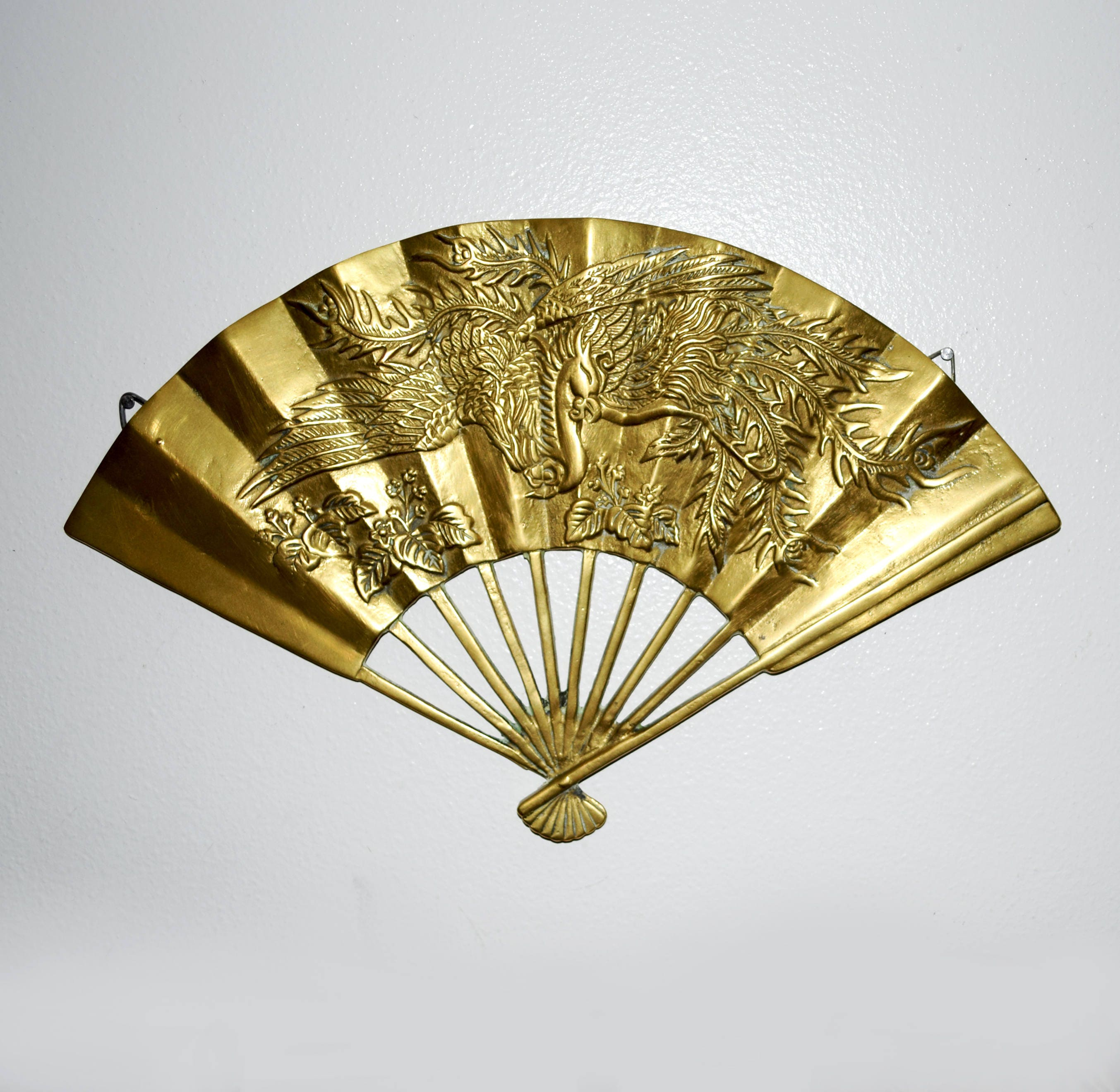 Contemporary Wall Fan Decor Motif - Wall Art Collections ...