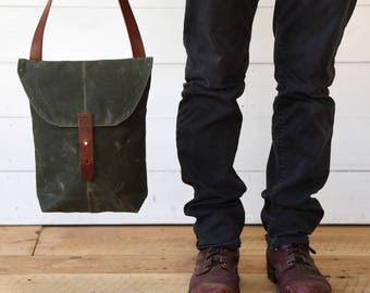 Waxed Canvas Hunter Satchel Moss, Waxed Canvas Bag, Wax Canvas Crossbody Bag, Travel Bag, Crossbody Bag, Gift for Mom, Peg and Awl, Green