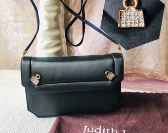 5ee663d580 Judith leiber clutch