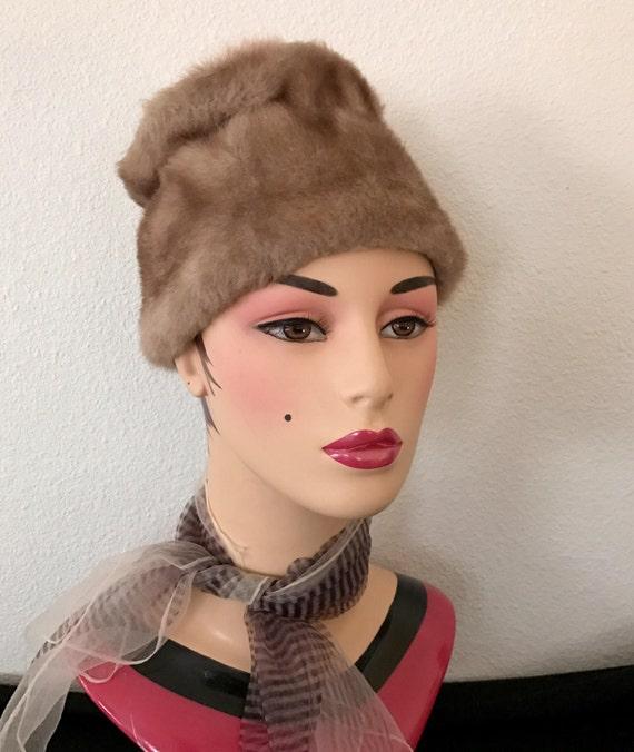 Mod Faux Fur Hat Vegan, Vintage 60s - image 1