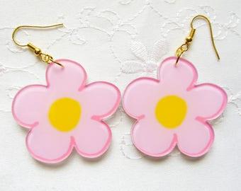 Big Pink Flower Earrings / Kawaii / 90s Earrings / Cute / Fun / Flower / Resin / Earrings