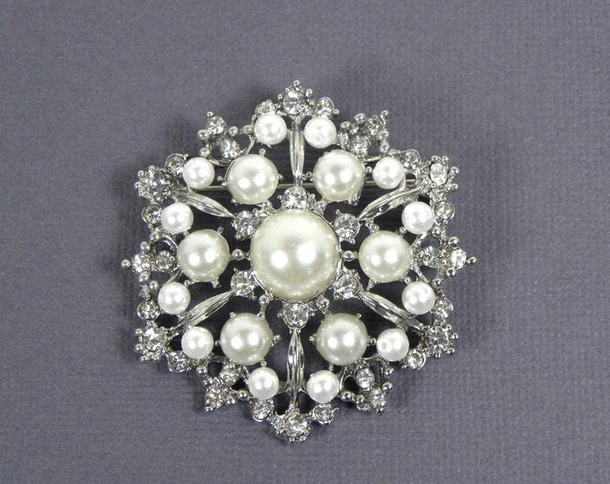 Pearl Bridal Brooch, Crystal Brooch, Vintage Style Bridal Brooch, Wedding Pin, Rhinestone Brooch with White Swarovski Pearls
