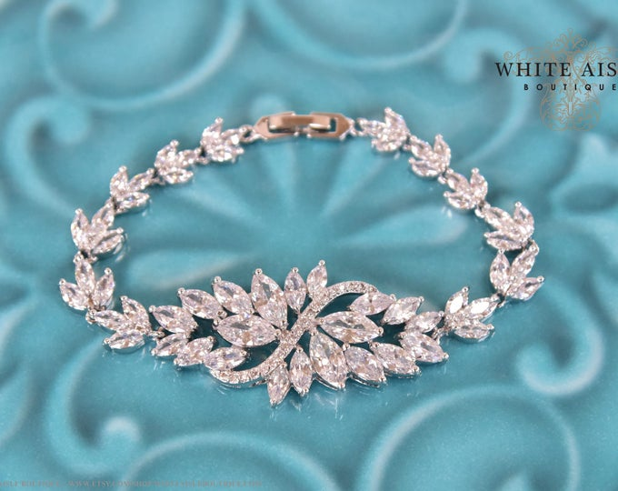 Vintage Style Cubic Zirconia Bridal Bracelet Special Occasion Crystal Wedding Statement Bracelet Bridesmaid Bridal Party Gifts