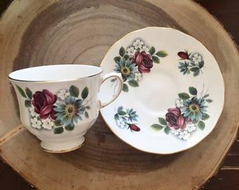 Queen Anne Roses and Daisies Tea Cup & Saucer / Vintage China