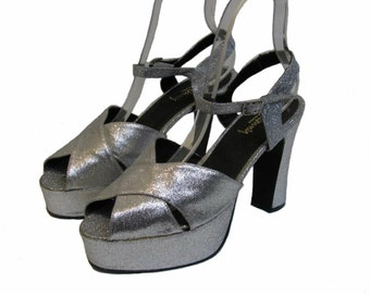 ecfb7db02423 Silver Glitter Luichiny Platform Sandal Shoes Made In Spain Euro Size 43  Will Fit Wms Sz 12 or a Mens Size 10