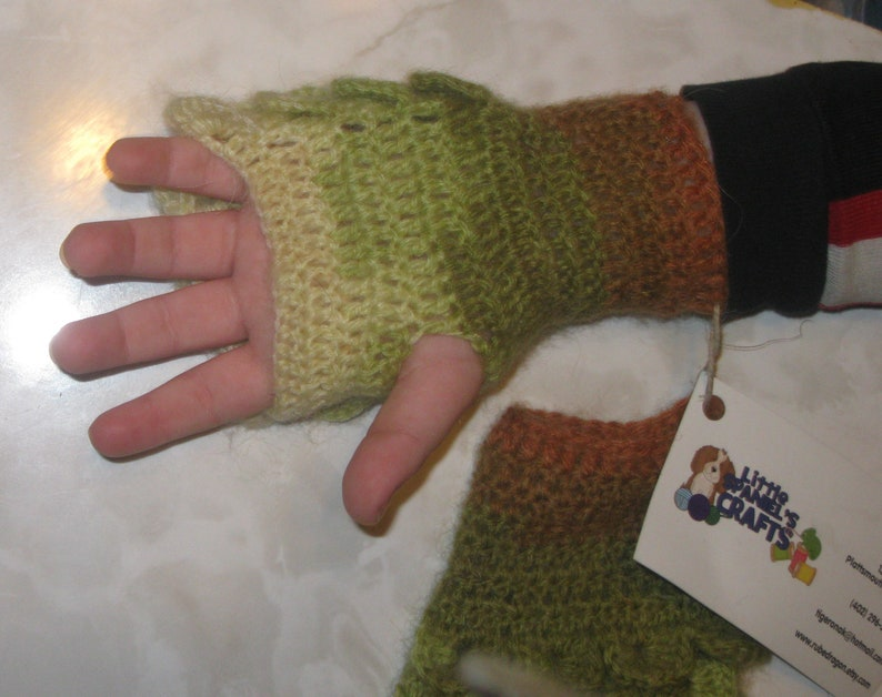 Forest Crocodile Stitch Gloves 6 inch